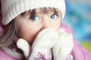 Проявление и правильные меры по лечению сильного кашля у ребенка