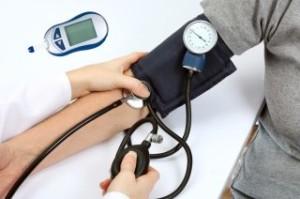 Причины и симптомы проявления гипертонии артерий