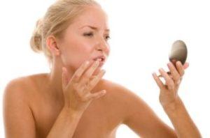 Причины и симптомы проявления опоясывающего герпеса на теле