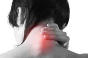 Причины и симптомы проявления хондроза шеи