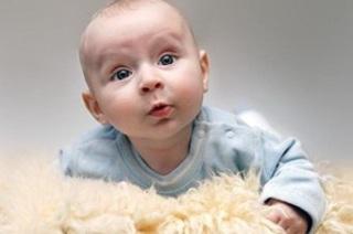 Особенности проявления прыщей на теле новорожденного ребенка.