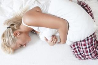 Симптомы и признаки проявления кисты яичника.
