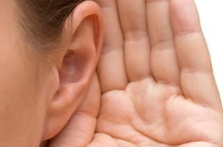 Симптомы и признаки болезни ушей.