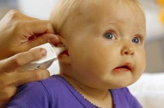 Симптомы и признаки проявления отита у взрослых и детей.